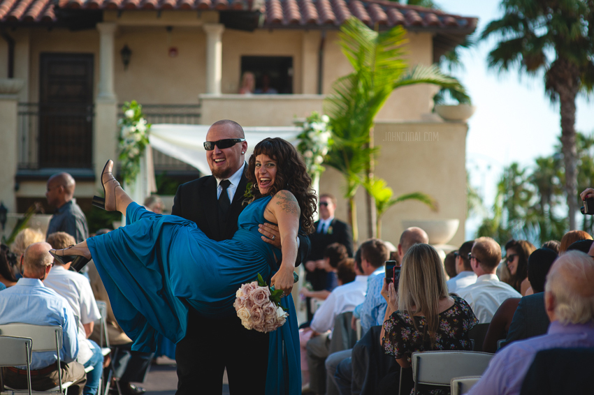 fun wedding pictures, photojournalistic wedding photographers